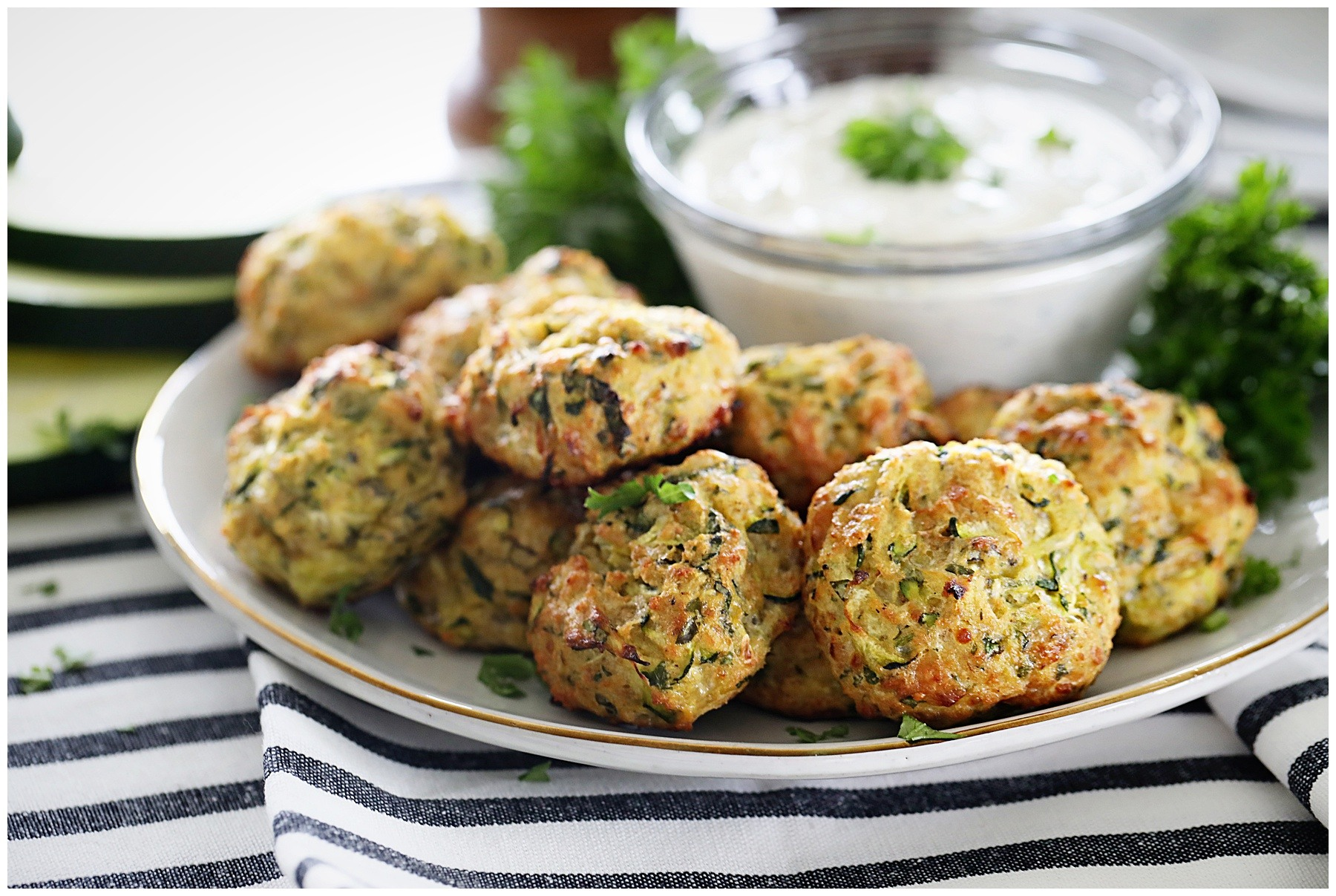 Zucchini Bites with cream garlic dip