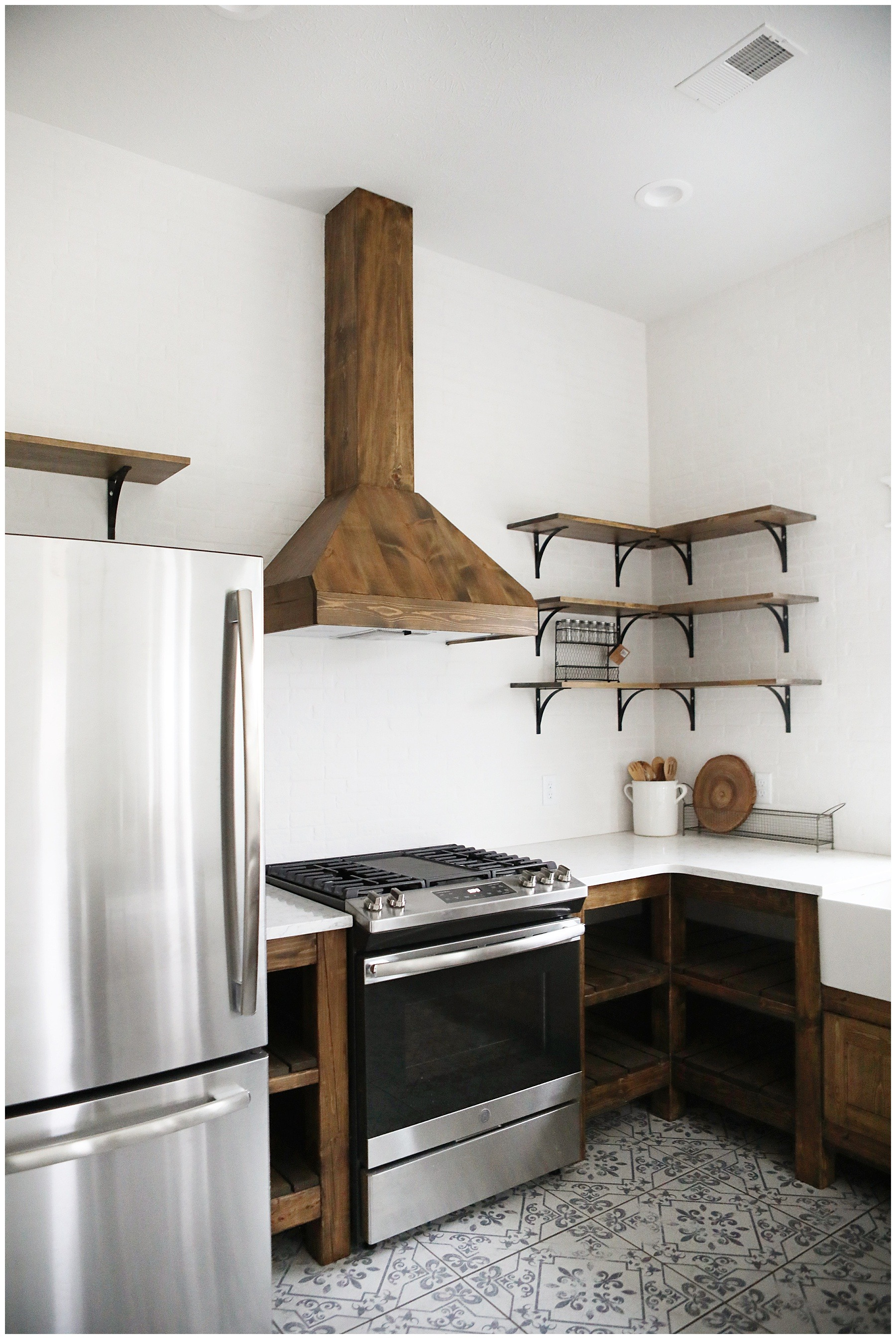 rustic farmhouse range hood